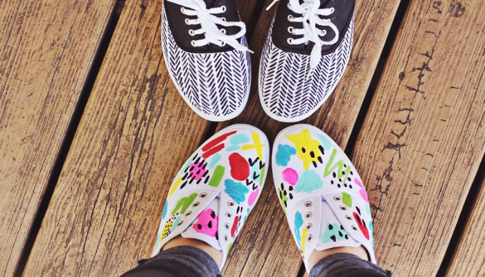 decorar zapatos viejos con estampados geométricos