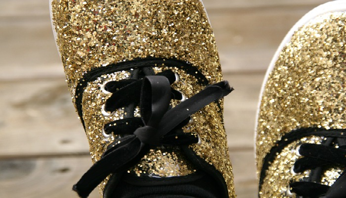 decorar zapatos viejos con escarcha