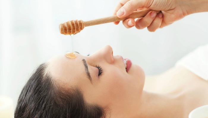 usar miel para la piel
