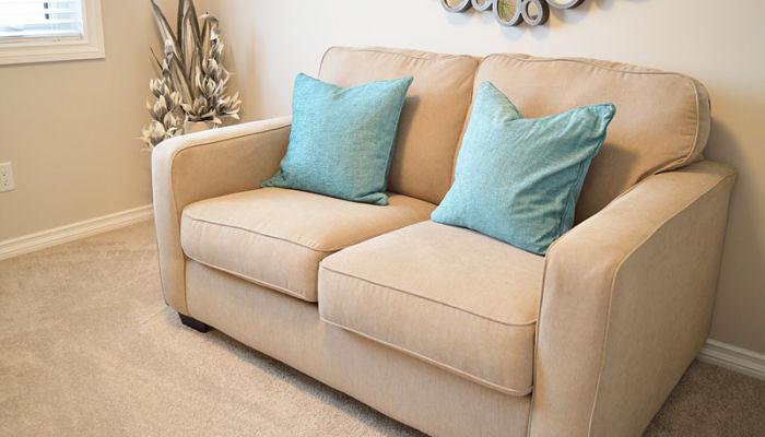 Como limpiar sof s de piel f cil y con productos caseros - Como limpiar un sofa de piel blanco ...