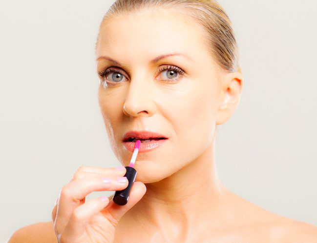 maquillaje labial en maduras
