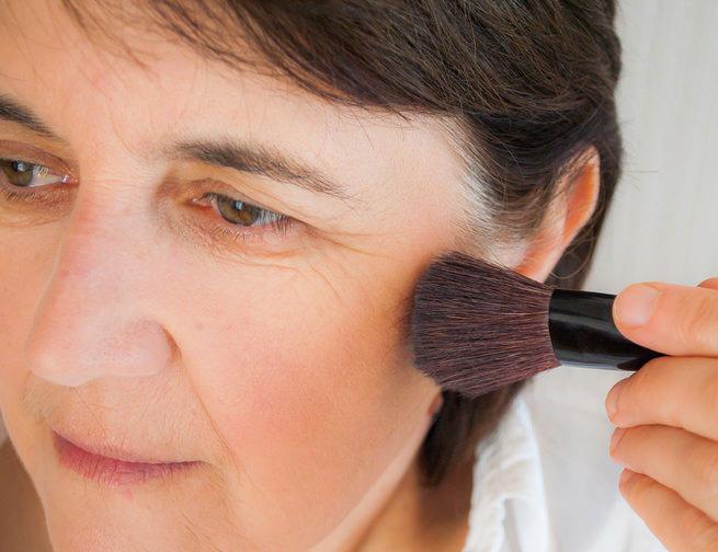 rubor en maquillaje para maduras