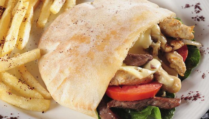 disfruta de la comida Turca