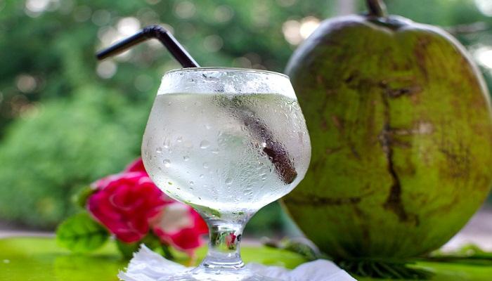 el agua de cocoes baja en calorías