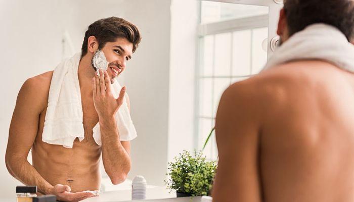 Por qué lo hombres usan crema de afeitar